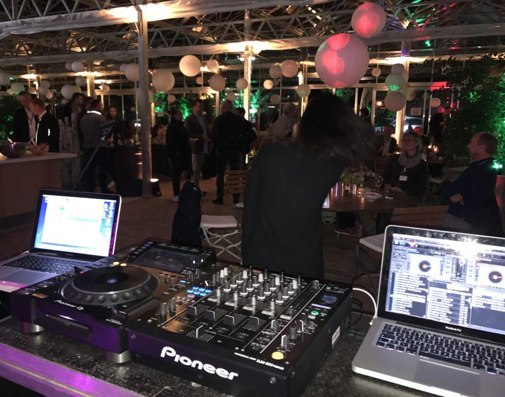 Enzo Aprile ist Pianist und DJ auf Firmenevents in Aschaffenburg und Frankfurt